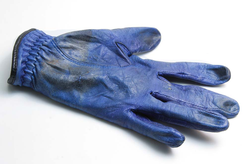 when to replace a golf glove